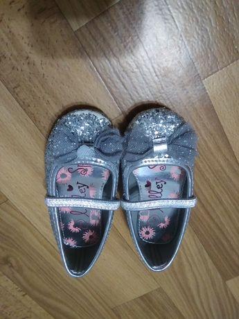 Туфелькі для дівченкі