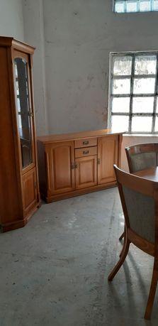 Komplet mebli witryna stół krzesla komoda