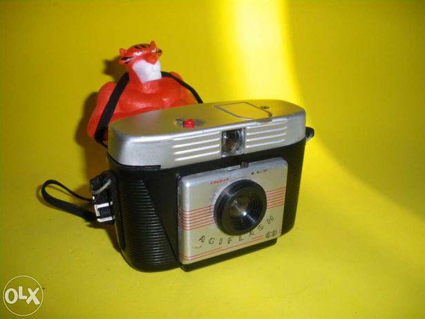Máquina Fotográfica Vintage – Agilux Agiflash 44