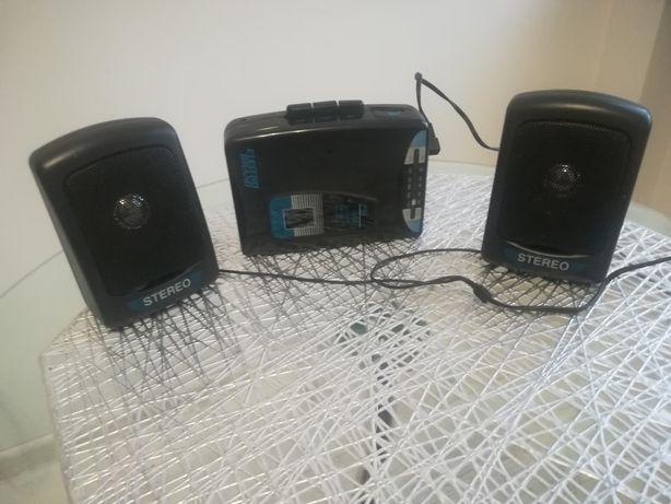 Magnetofon z głośnikami
