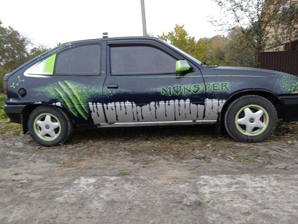 Продаю Opel kadett 1.3