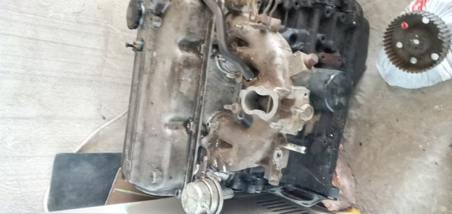Мотор.MAZDA 2л бензин
