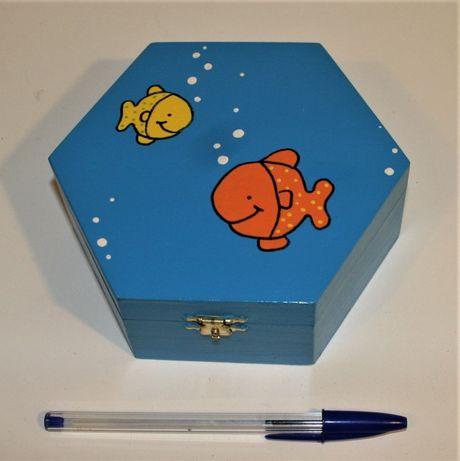 Caixa madeira pintada à mão peixes. NOVA
