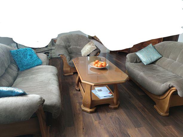 Dwie sofy (jedna rozkładana) + fotel + stolik do kawy (wysoki) komplet