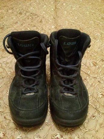 "Демисезонные ботинки ""Lowa Kids Gore-tex"" (р. 31). Словакия."
