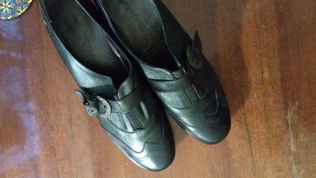 Новые кожаные туфли Simona. размер 7