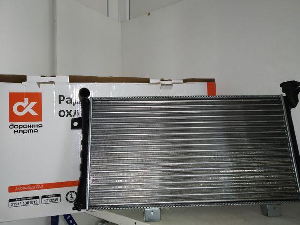 Радиатор охлаждения Ваз Нива Тайга 21213 карбюратор