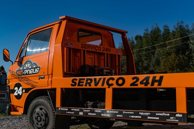 Serviços de pneus 24H / Estrada / Domicilio
