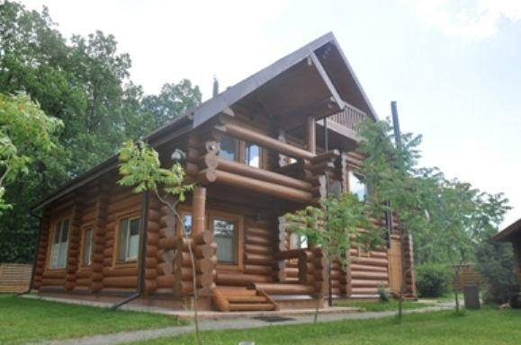 ВИГІДНО! Продаж маєтку-зрубу в с. Ставрівка (Київська обл.)
