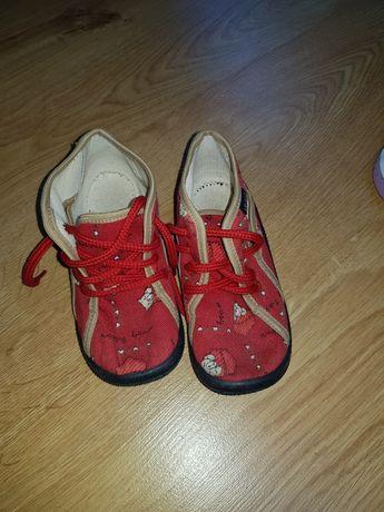 Czerwone buciki buty dziewczęce 26