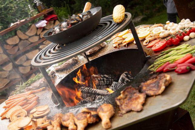 Profesjonalny grill ogrodowy opalany drewnem palenisko corten