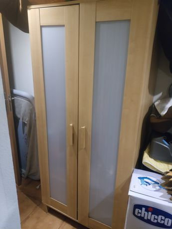 Guarda vestidos roupeiro IKEA chapa de bétula