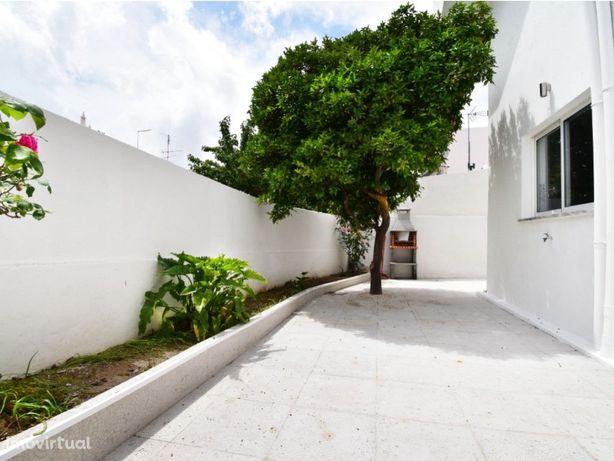 Apartamento T3 Terraço Barbecue Praia 2,5 Km Golfe 2,5 Km