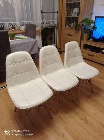 Krzesła tapicerowane trzy