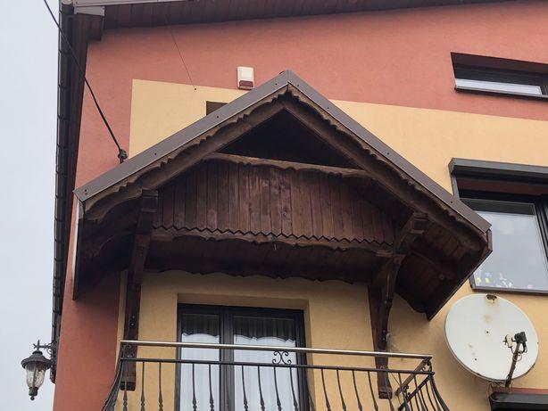 Daszek zadaszenie balkonu brązowy blachodachówka