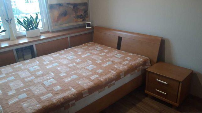 Sprzedam łóżko 140x200cm + szafkę nocną