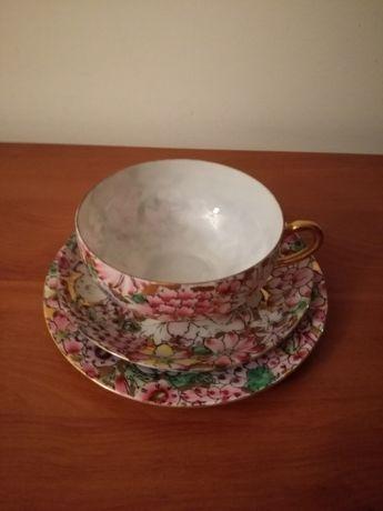 Porcelana Casca de Ovo - Chávena com dois pratos