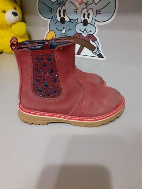 Весняні ботиночки на дівчинку