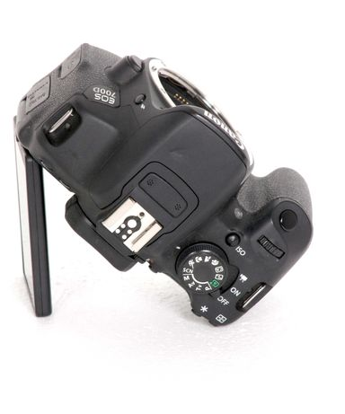 Canon EOS 700D+ EF-S 18-55mm f/3.5-5.6 IS STM ...
