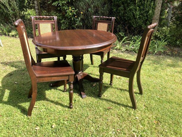 Stół drewniany z 4 krzesłami rozsuwany komplet