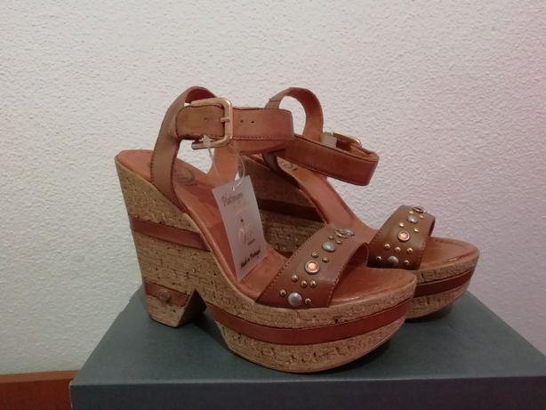 Vendo sandálias tamanho 35