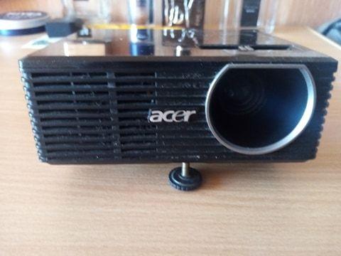 Projektor Acer K10