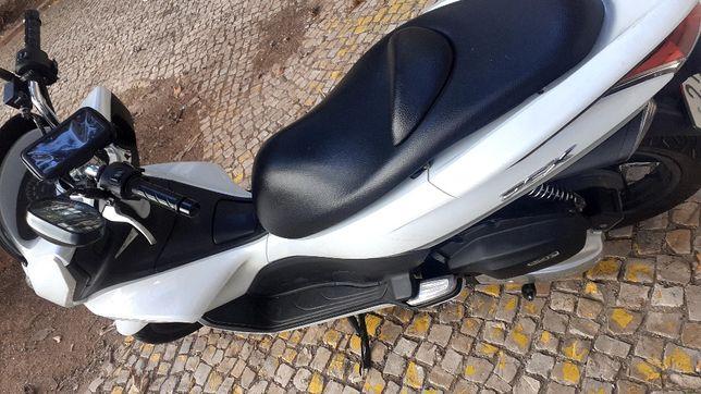 Moto Pcx 2014 60 km 1600