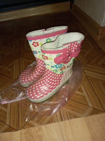 Продам резинові чобітки для дівчинки 27 розмір.