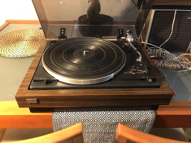 Onkyo y 200d  - gira discos