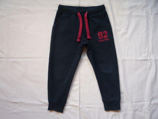Lupilu r. 92/98 Spodnie dresowe Chłopięce Granatowe