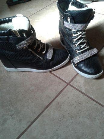 Ботинки. Сникерси