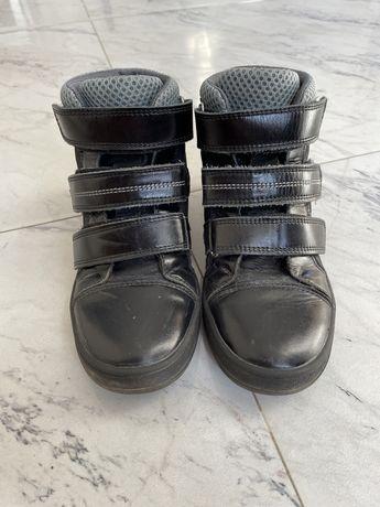 Ботинки девочке