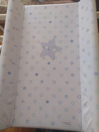 Пеленальная доска на кроватку