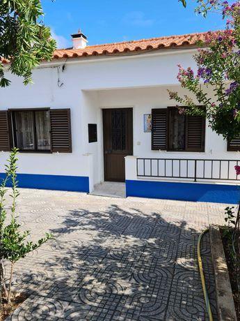 Vende-se quinta T3 pronta a habitar na aldeia de Vale do Pereiro