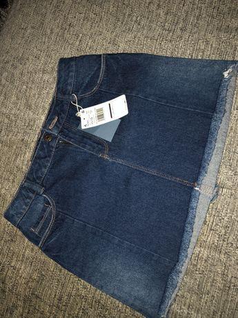Джинсовая юбка фирмы Mango
