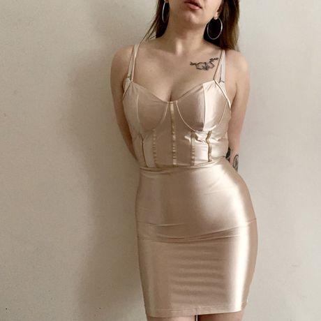 Zlota satynowa sukienka NaaNaa S