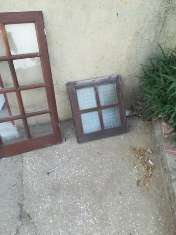 5 janelas um postigo 2 portas
