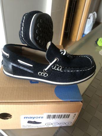 Sapatos azuis marinho