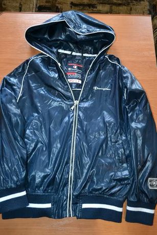 Куртка синя оригінал Champion розмір 9-10 ціна 350 грн