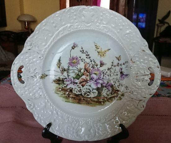Stary, bogato zdobiony talerz/patera XIX .w.; porcelana (Śląsk?)