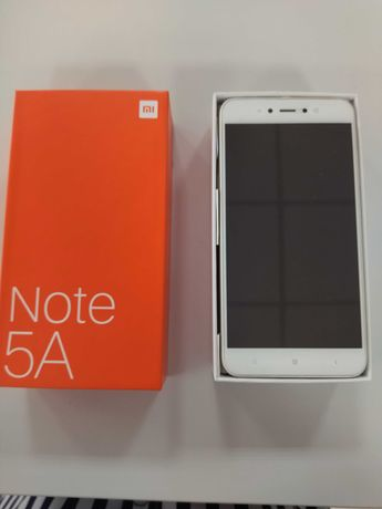 Продам смартфон Xiaomi Redmi Note 5A 2/16ГБ + подарок
