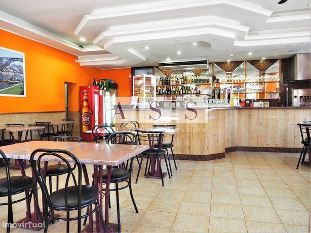 Restaurante | 2 salas jantar; Esplanada; equipado