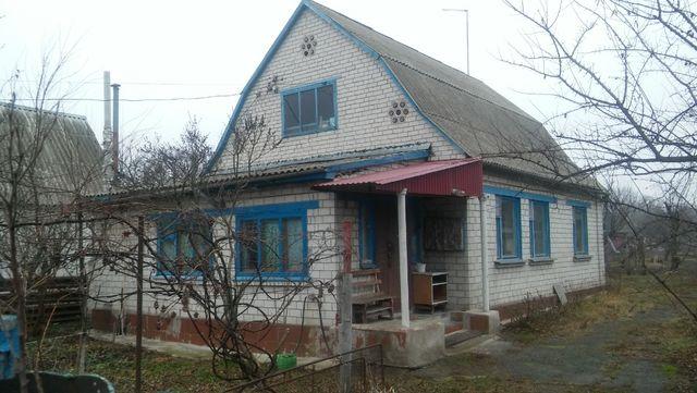 Кирпичный жилой дом 80м.кв. с коммуникациями, 4 комнаты, 15 соток