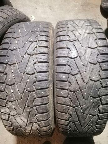 Продам пару шин 215.60 R16 Pirelli шипованые