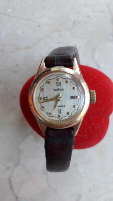 Женские золотые часы Чайка