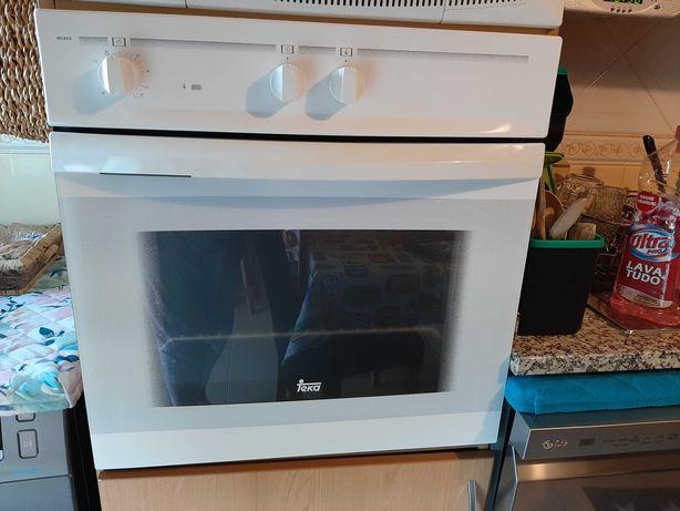 Microondas e forno de fogão