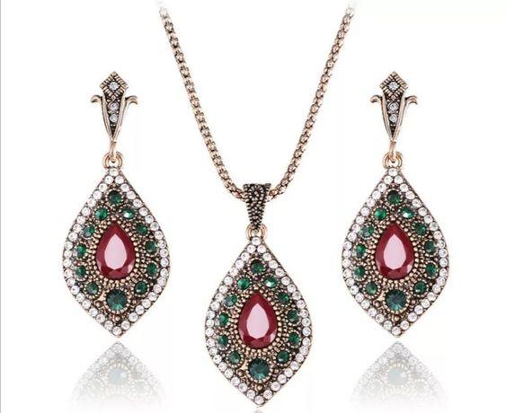 Indyjski komplet biżuterii z kamieniami