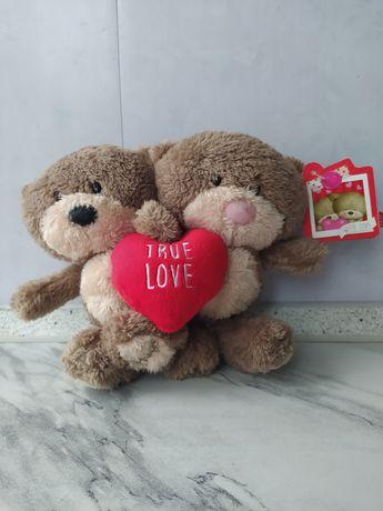 """Нова м'яка іграшка Hugs """"Справжня любов"""""""