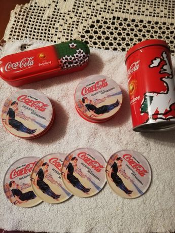 Vários artigos da coca cola Europeu 2004