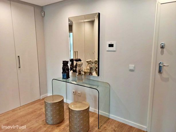 Apartamento T2 de luxo em Queijas